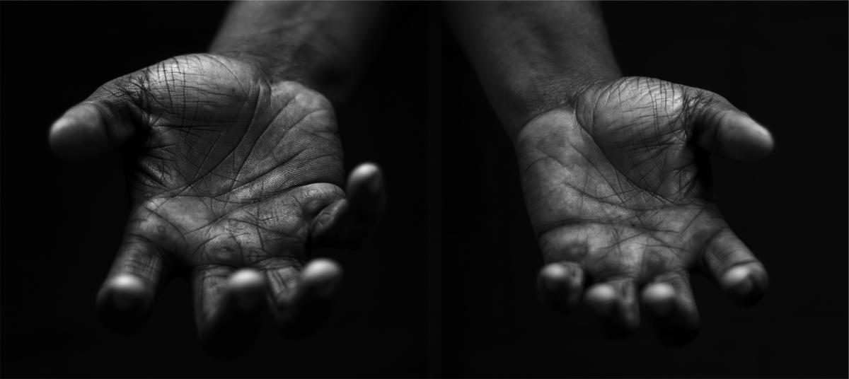 دستهای یاریگر