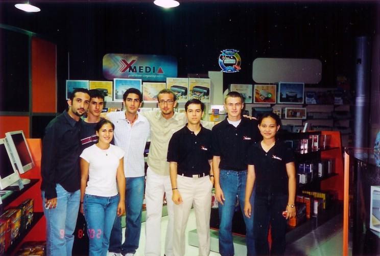 در فروشگاه XMedia به همراه دوستان و همکاران - سال ۲۰۰۲