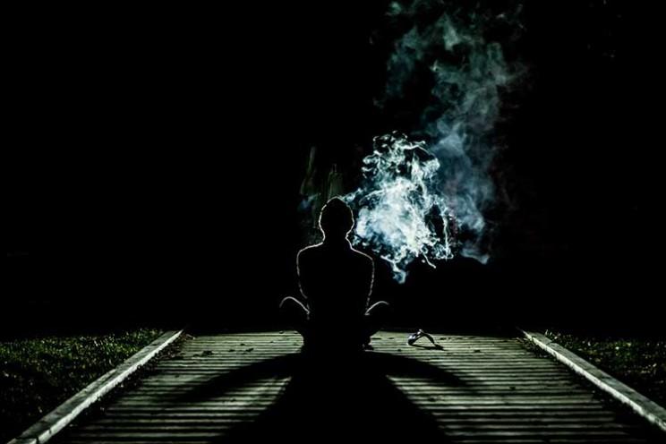 کشیدن آخرین سیگار