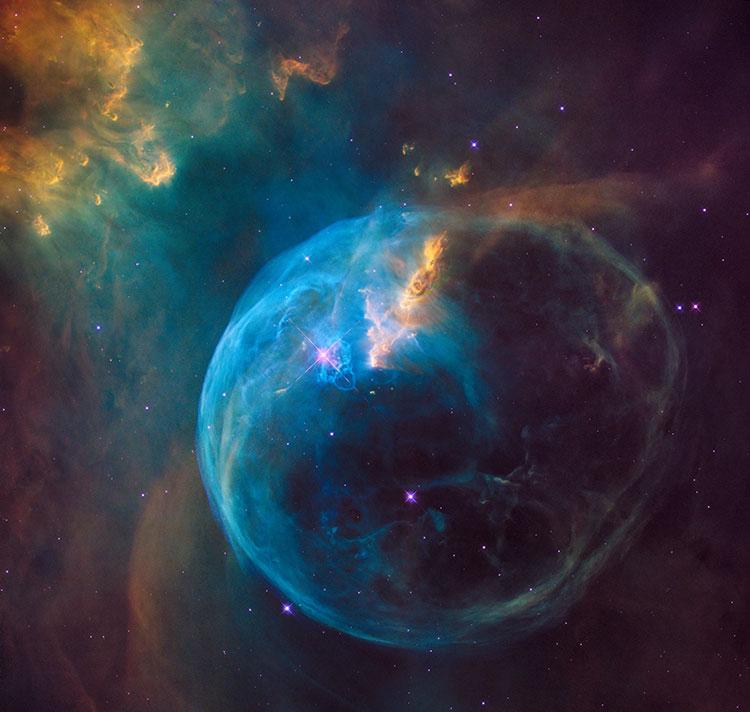 از نمای تلسکوپ هابل