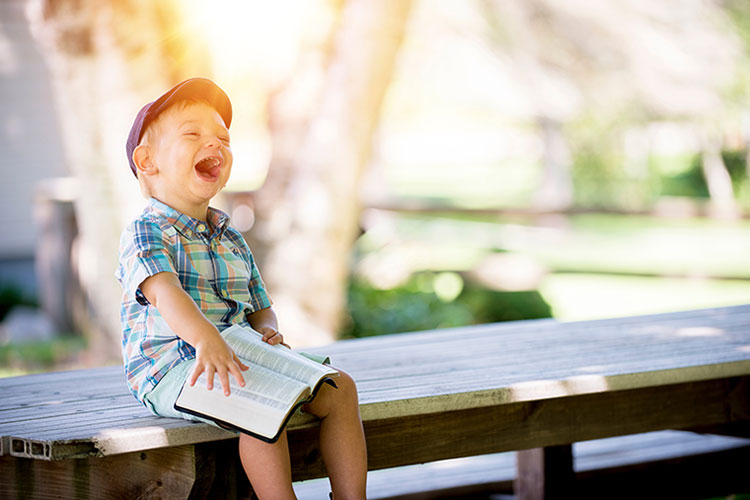 کودک خندان