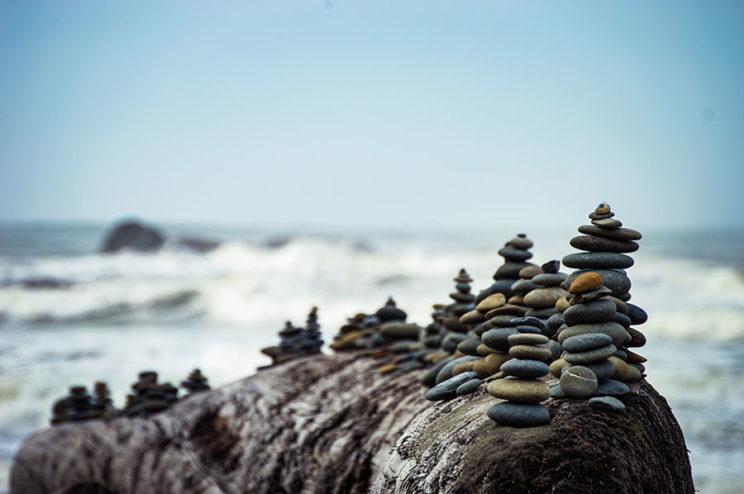 تعادل سنگها روی سنگ